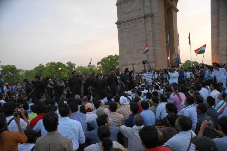 MASS PUBLIC SUPPORT FOR THE JAN LOKPAL BILL - INDIAS FIGHT AGAINST CORRUPTION
